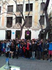 INS Vila de Gràcia - minut de silenci a la plaça